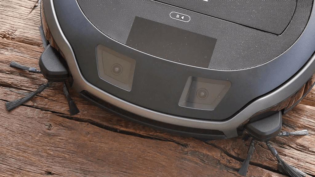 Der Miele Scout RX2 Home Vision sieht aus wie ein Frosch. Das ist aber in Ordnung.
